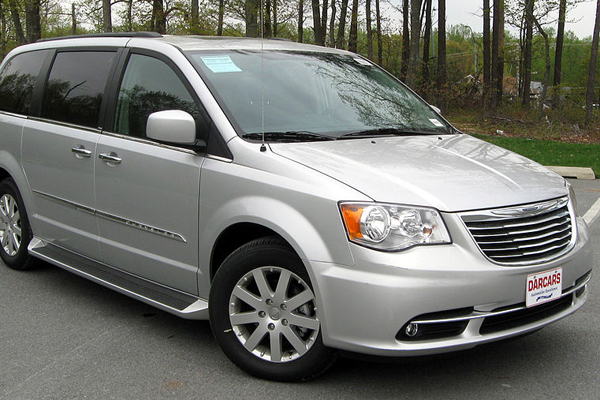 chrysler town country.jpg